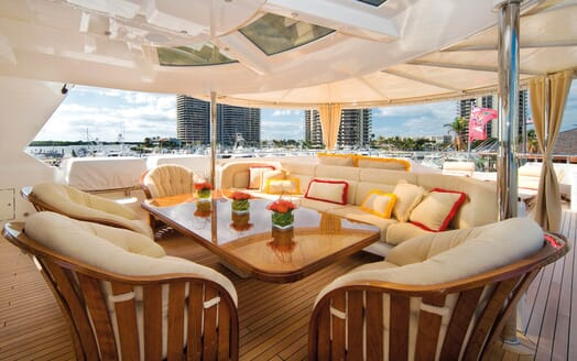 Motor Yacht Gigi outdoor seating area