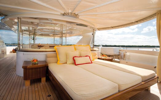 Motor Yacht Gigi sun loungers