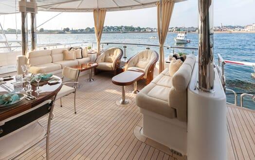 Motor Yacht Gigi aft seating area