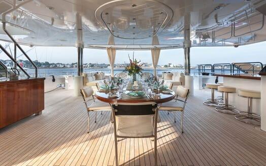 Motor Yacht Gigi main deck