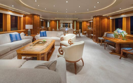 Motor Yacht Gigi living area