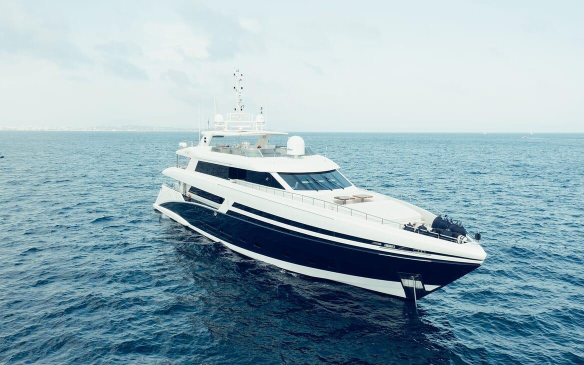 Motor Yacht Tatiana running shot