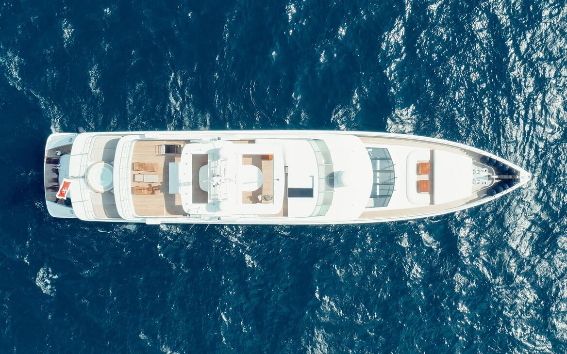 Motor Yacht Tatiana outdoor dining area