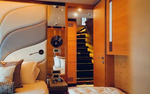 Motor Yacht Tatiana cinema