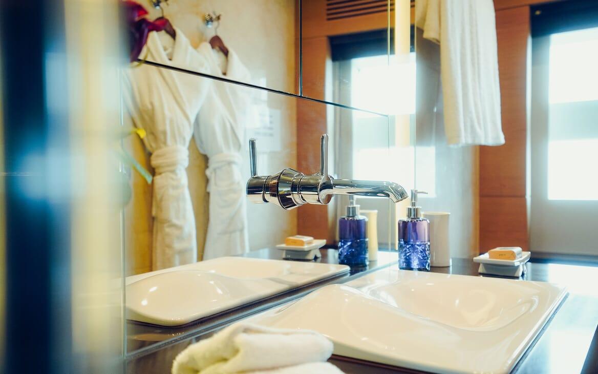 Motor Yacht Tatiana aft
