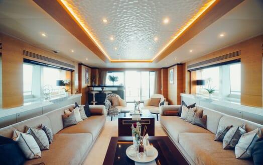 Motor Yacht Tatiana sundeck