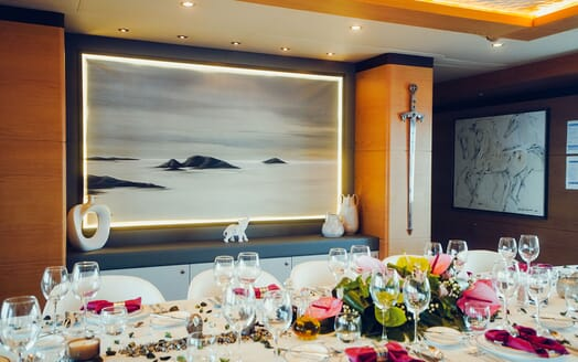 Motor Yacht Tatiana hot tub