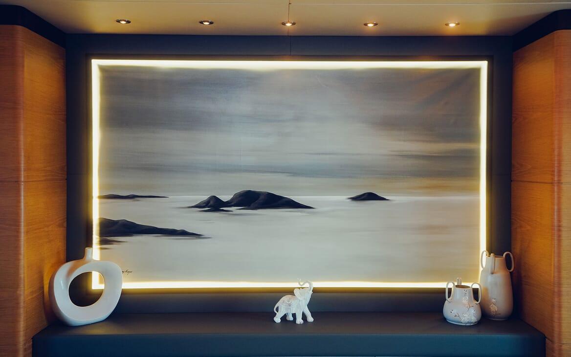 Motor Yacht Tatiana saloon