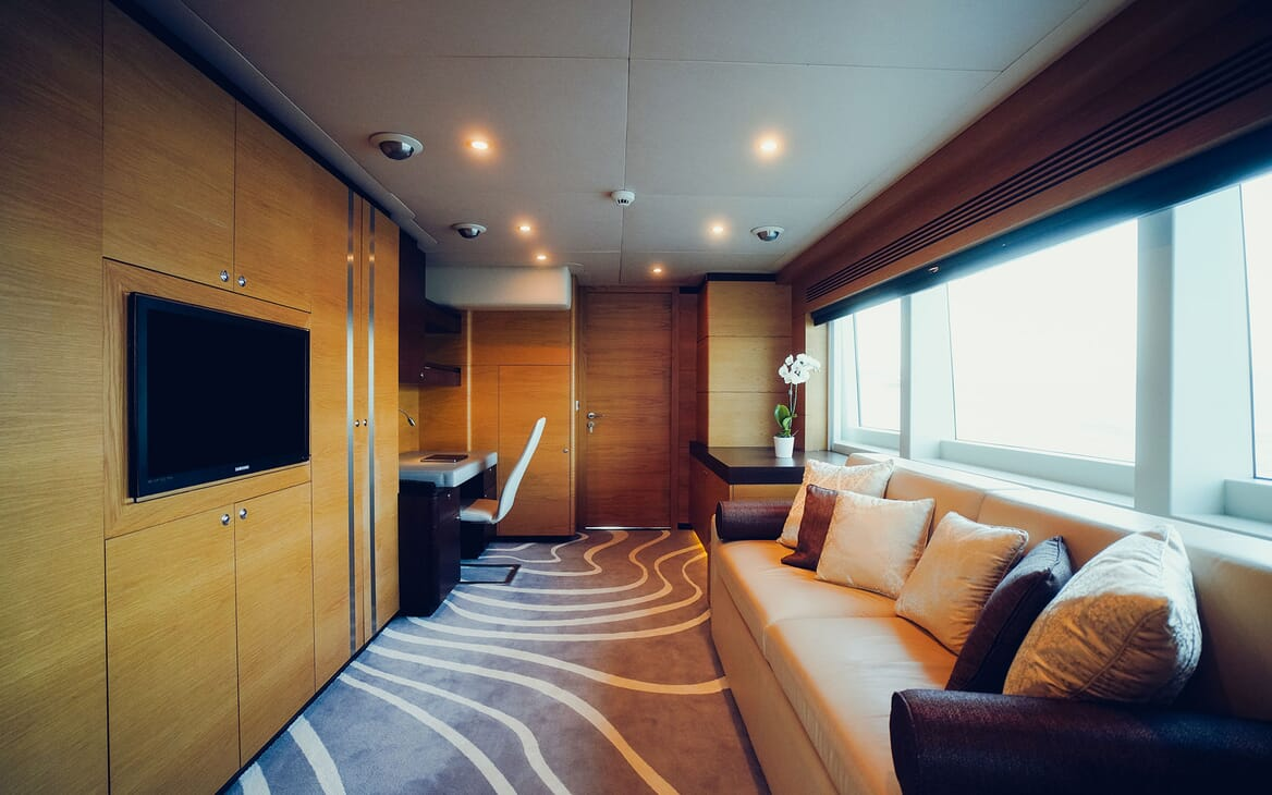 Motor Yacht Tatiana dining area