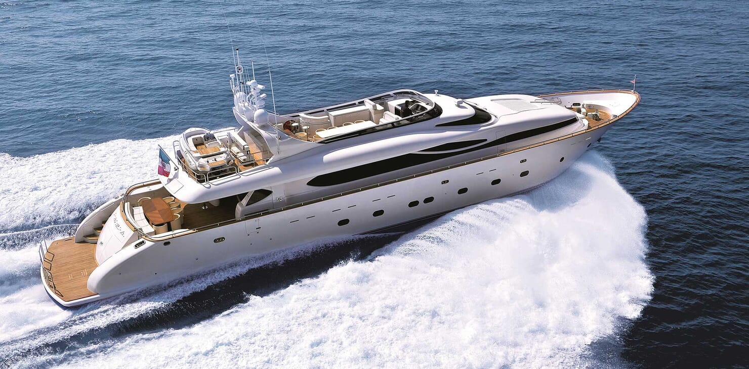 Motor Yacht Paris A running shot