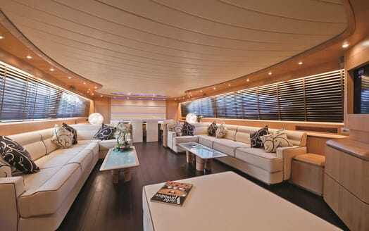 Motor Yacht Paris A saloon