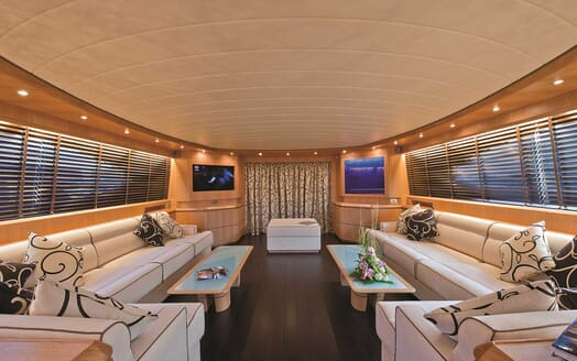 Motor Yacht Paris A salon