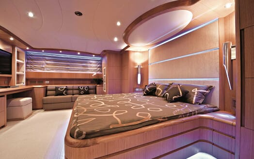 Motor Yacht Paris A master stateroom
