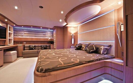 Motor Yacht Paris A master stateroom