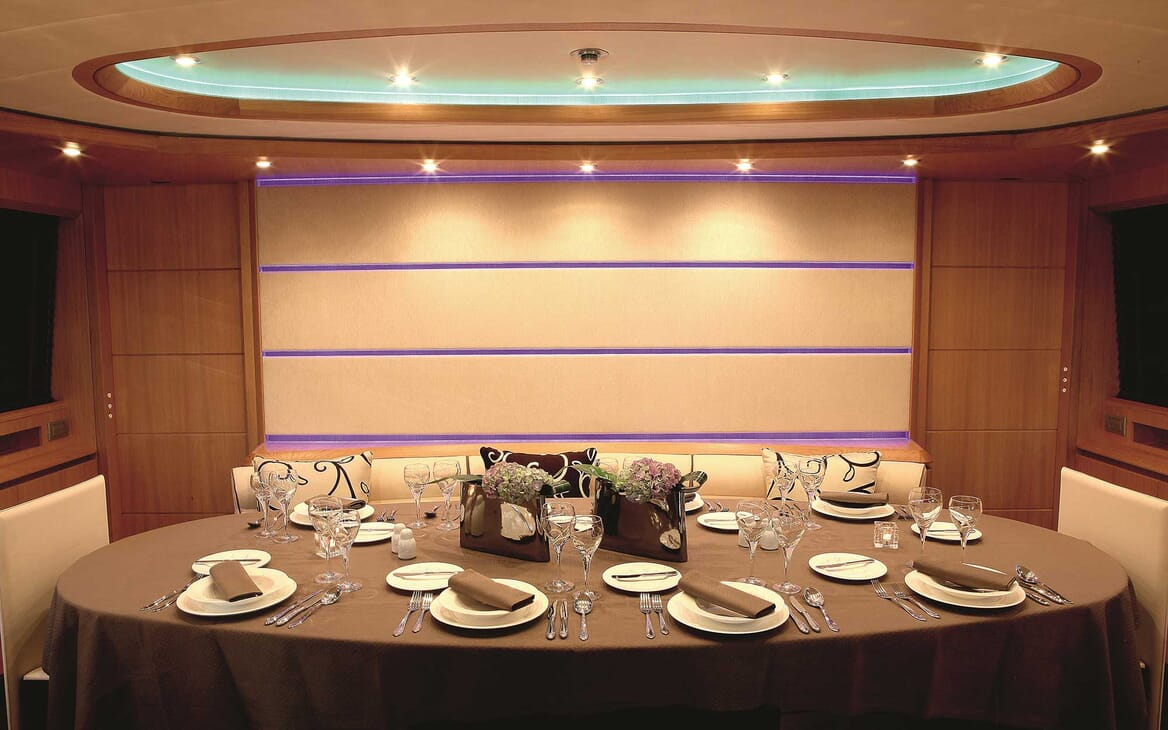 Motor Yacht Paris A dining room