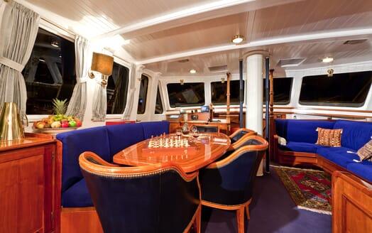 Sailing Yacht TIGERLILY OF CORNWALL Main Saloon