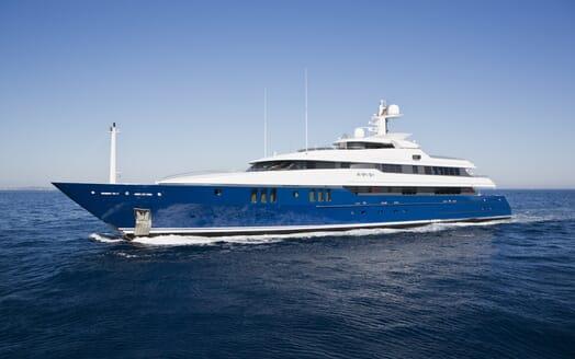 Motor Yacht Sarah cruising