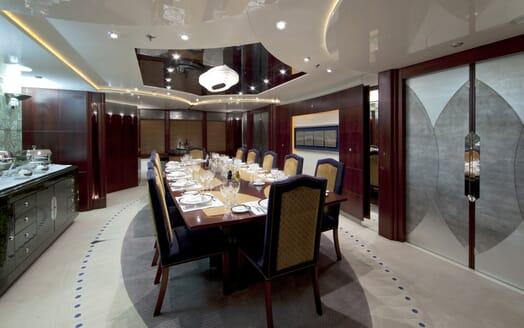 Motor Yacht Sarah dining area