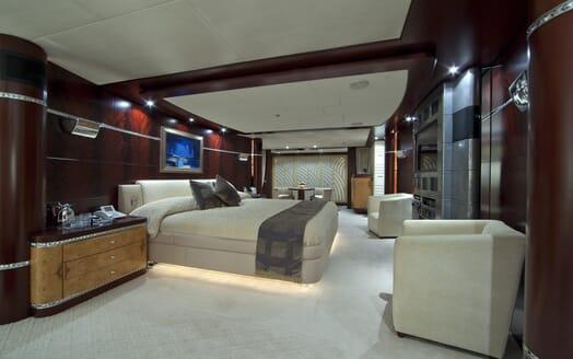 Motor Yacht Sarah master cabin