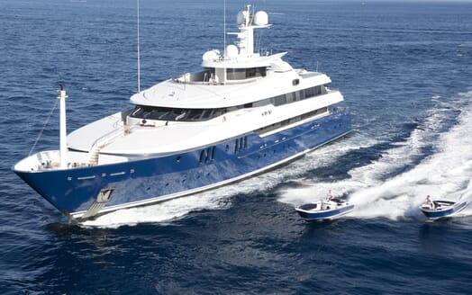 Motor Yacht Sarah underway
