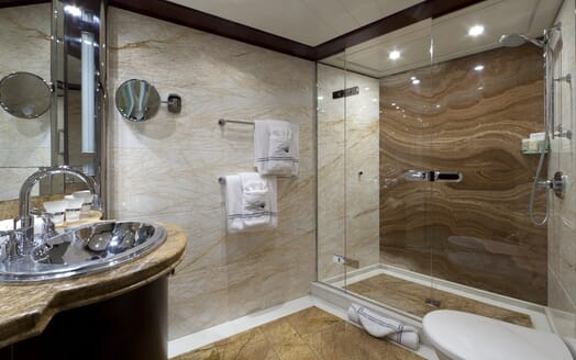 Motor Yacht Sarah VIP bathroom