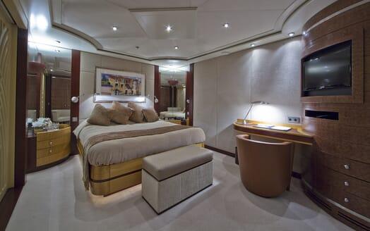 Motor Yacht Sarah double cabin