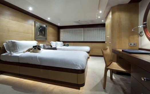 Motor Yacht Sarah twin cabin