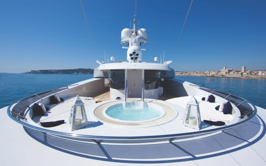 Motor Yacht Sarah hot tub