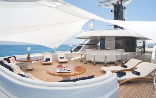Motor Yacht Sarah sundeck