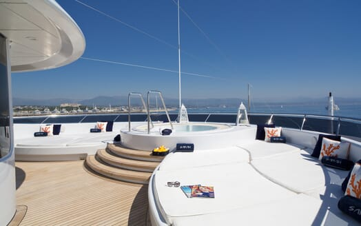 Motor Yacht Sarah outdoor seating