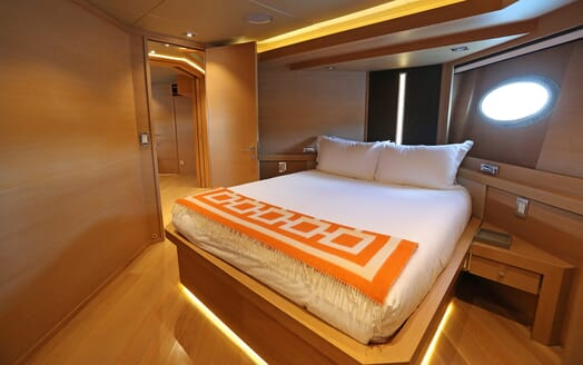 Motor Yacht Escape II Double Stateroom