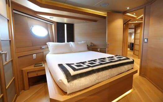 Motor Yacht Escape II Guest Double Stateroom