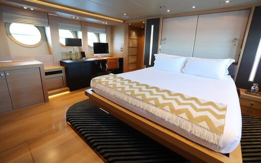 Motor Yacht Escape II Master Stateroom