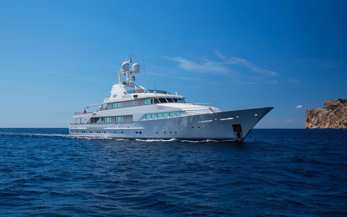 Motor Yacht MQ2 Profile