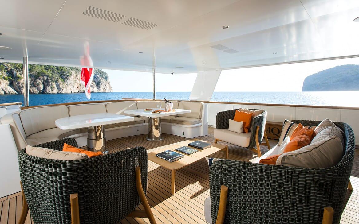 Motor Yacht MQ2 Aft Seating