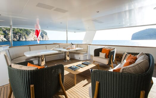 Motor Yacht MQ2 Aft Seating