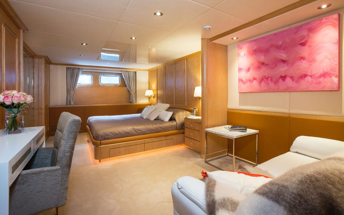 Motor Yacht MQ2 Guest Stateroom