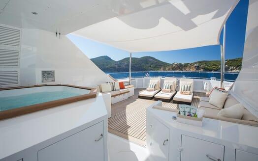 Motor Yacht MQ2 Sun Deck