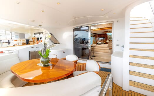 Motor Yacht SEA BREEZE ONE Main Aft Deck Seating