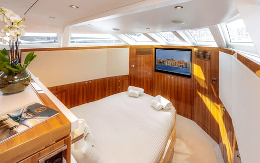 Motor Yacht SEA BREEZE ONE Master Stateroom