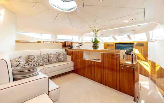 Motor Yacht SEA BREEZE ONE Master Stateroom Lounge