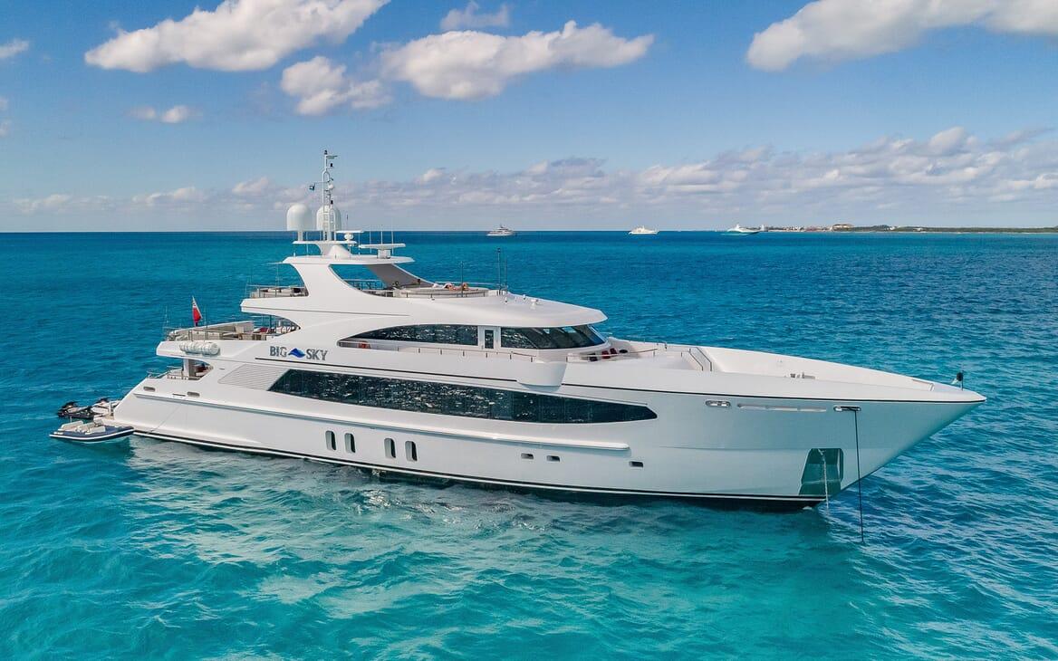 Motor Yacht Big Sky Profile