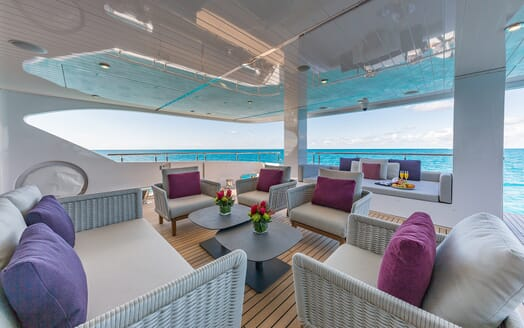 Motor Yacht Big Sky Deck Seating