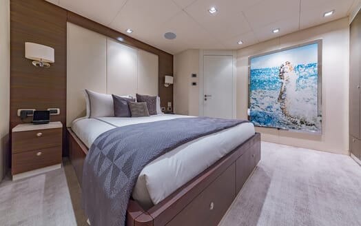 Motor Yacht Big Sky Double Stateroom