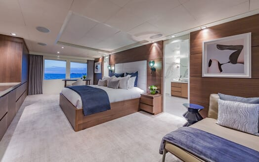 Motor Yacht Big Sky Master Stateroom
