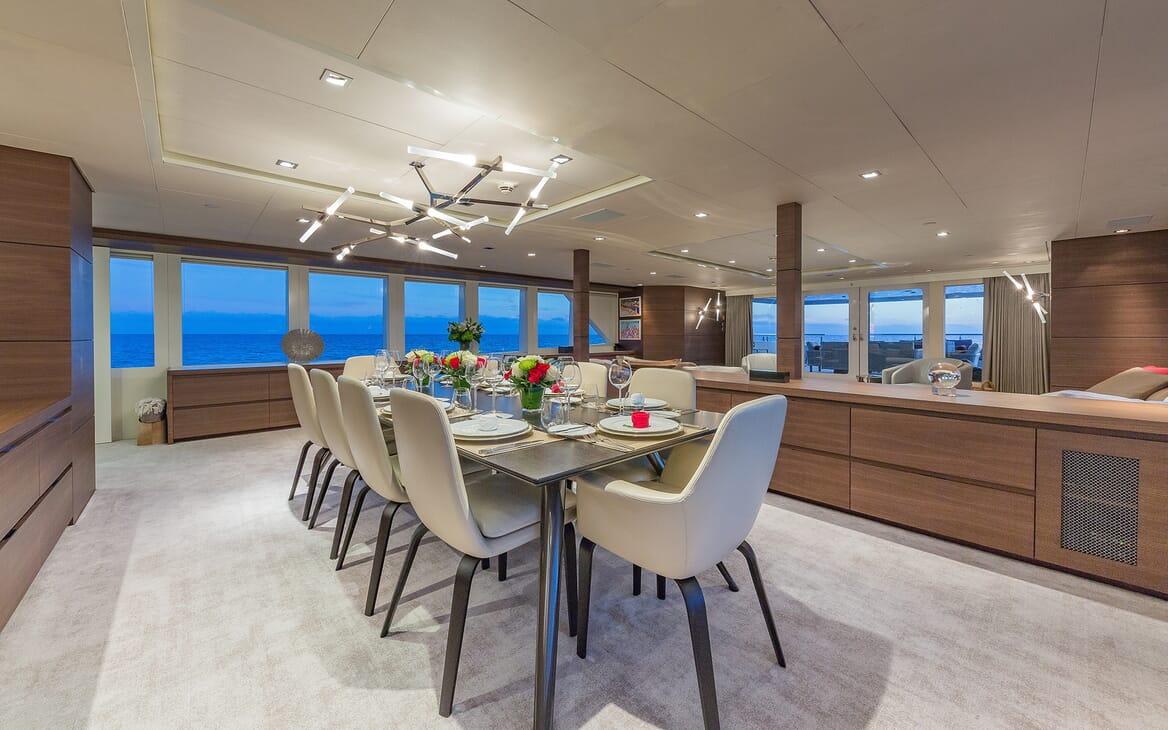 Motor Yacht Big Sky Dining Room