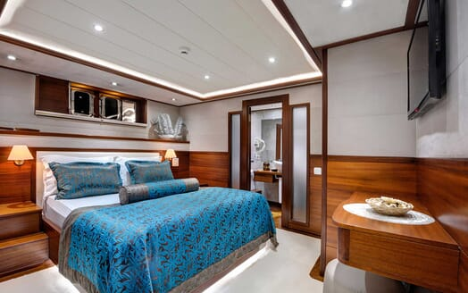 Sailing Yacht Alessandro guest cabin