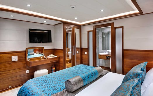 Sailing Yacht Alessandro double cabin