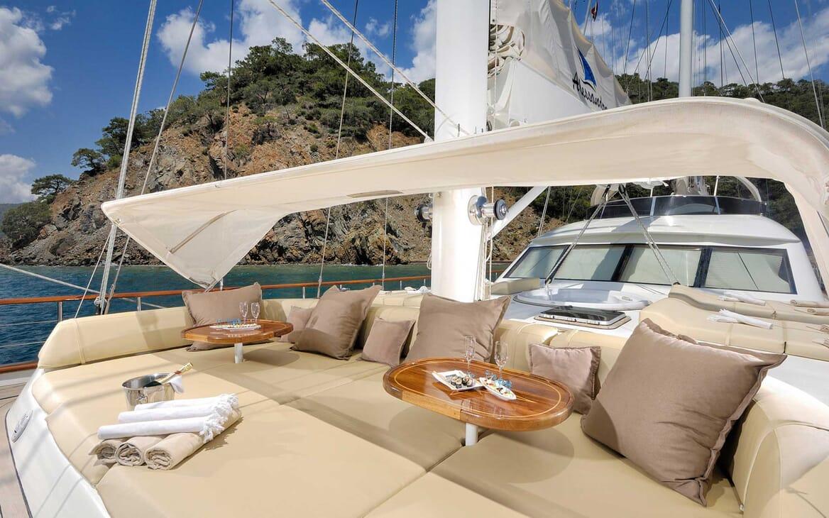 Sailing Yacht Alessandro sun loungers