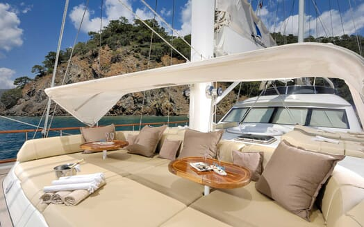 Sailing Yacht Alessandro sun loungers